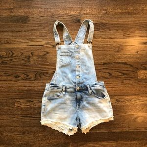 Jean short overalls. Only worn once. Xs